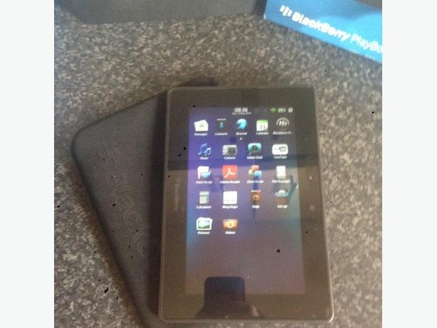 blackberry 64gb playbook (brand new )