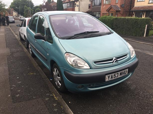 Automatic Citroen Picasso, low mileage, 2004, good condition