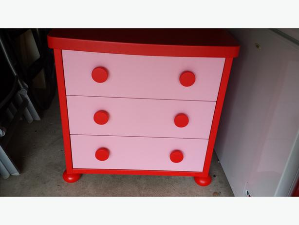 Red and pink chest of drawers