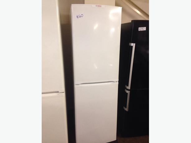 BOSCH FRIDGE / FREEZER WHITE FROST FREE1