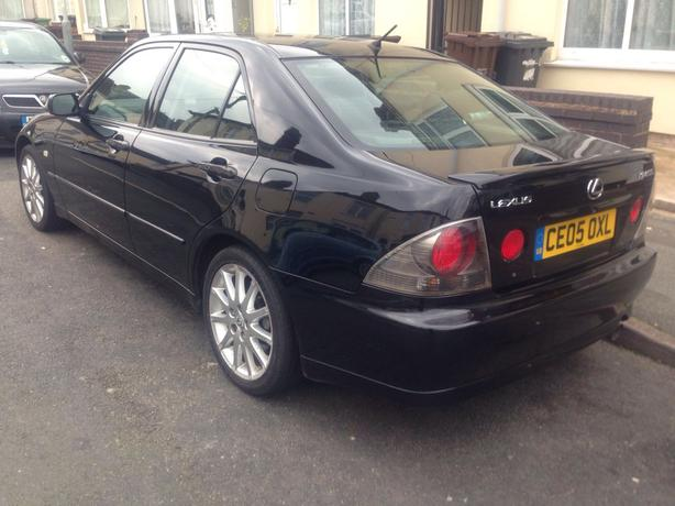 2005 (05) LEXUS IS200 2.0 PETROL BLACK, FULL LEATHER, 6 SPEED 96000 MILES
