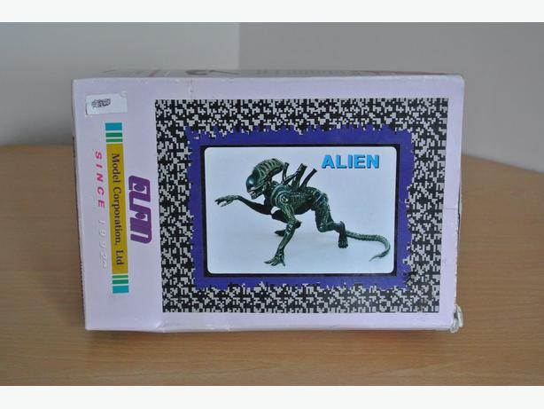Alien poly vinyl model kit