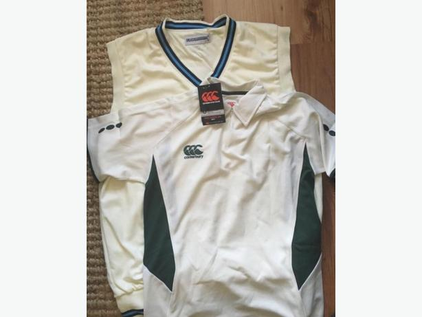 Over 250 branded cricket items worth around £3500-£4000