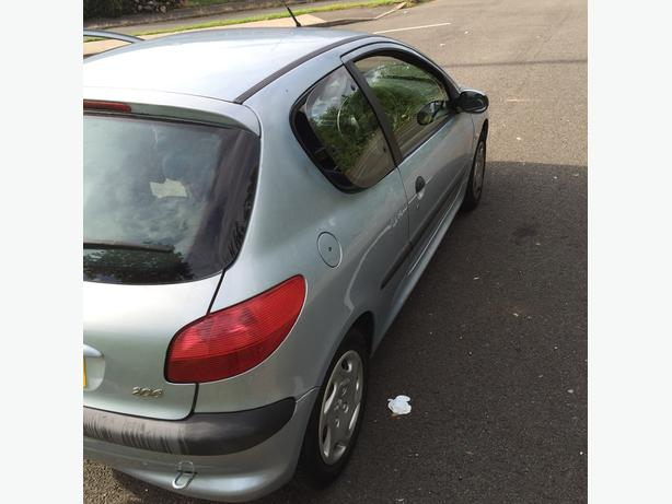peugeot 206 LX 1.4 petrol 02 plate , 2 Lady Owners from new. £300