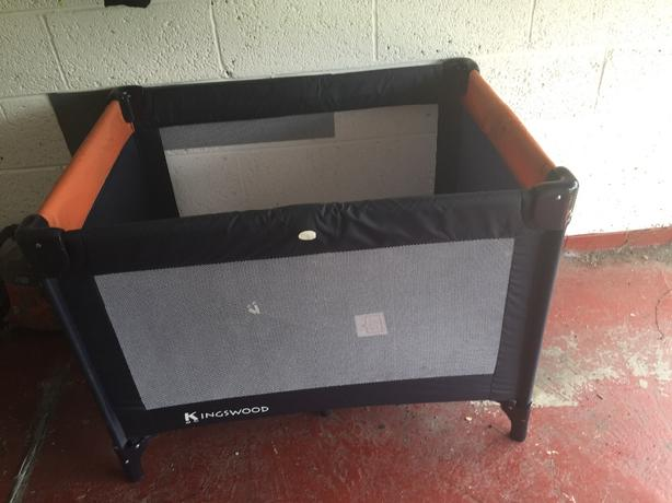 kingswood travel cot new in the case