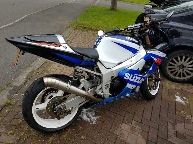 Suzuki GSXR 1000cc motorbike K1 2001