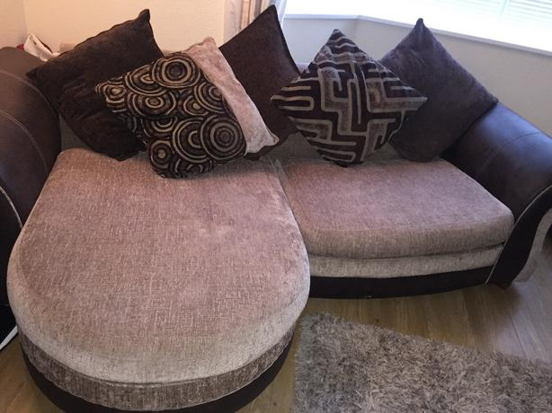 4 seater sofa need gone today