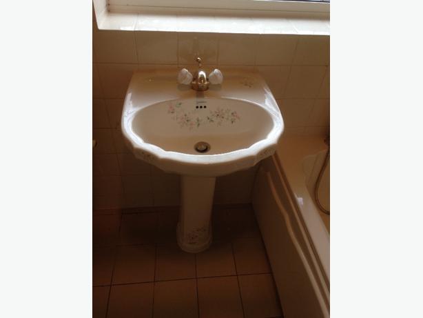 Vernon Tutbury basin & pedestal