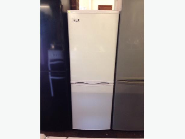 CURRYS ESSENTIALS FRIDGE / FREEZER2