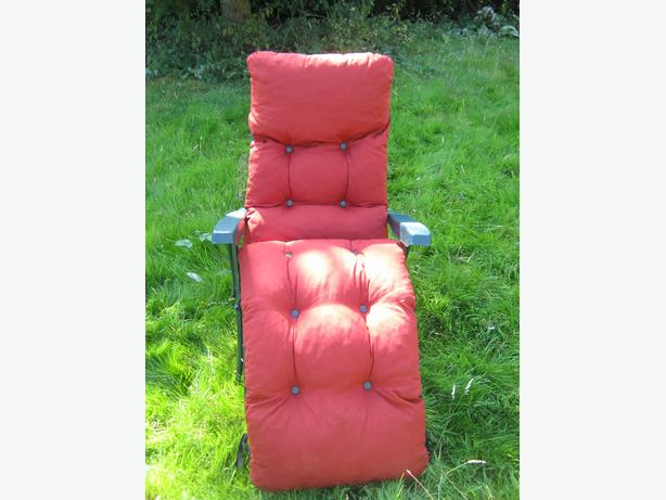 Reclining Sun Lounger With Red Cushion