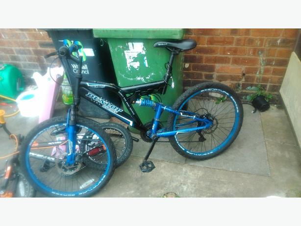 ** A Dunlop**  signature dual terrain bike