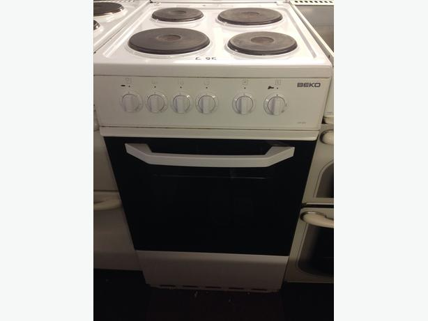 WHITE BEKO SINGLE CAVITY 50CM ELECTRIC COOKER