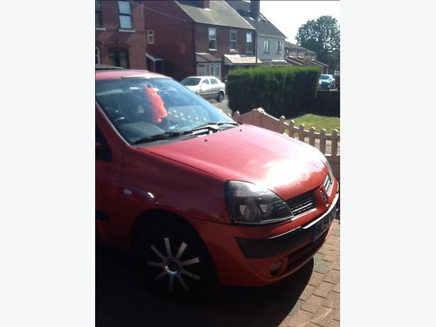 Clio 1.2 very low mileage !