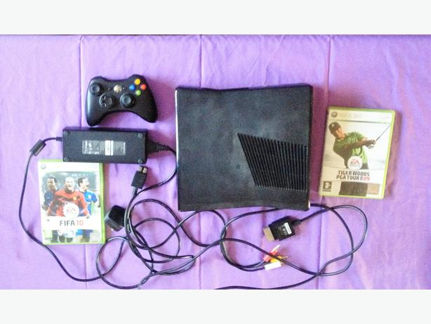 Slim xbox 360 game console and games bundle