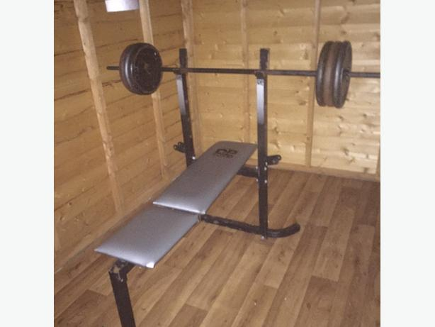 6 10kg steel plates with bar and bench