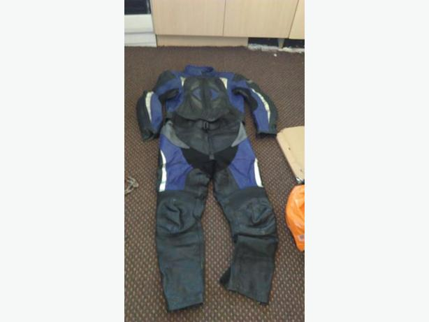 £40 ovno genuine ash man medium leathers full suit