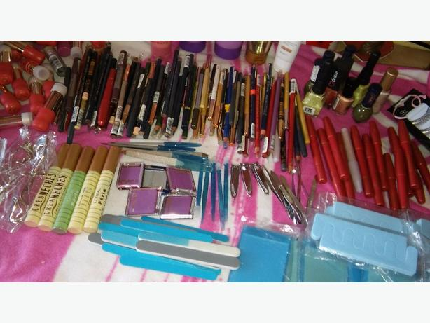 joblot of makeup & accessories