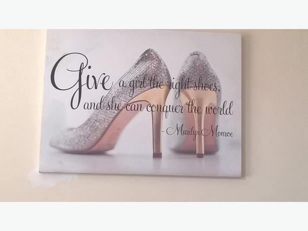 give a girl the right shoes and she will conquer the world (canvas)