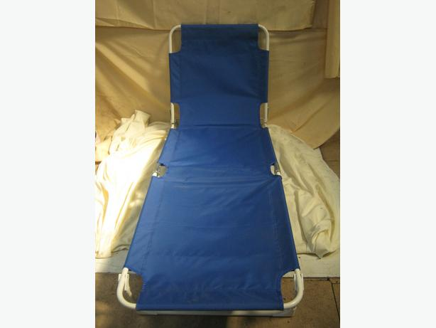 Garden Folding Sun Lounger Blue