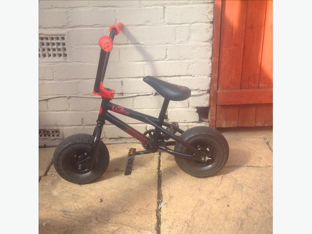 Minni rocker stunt bike