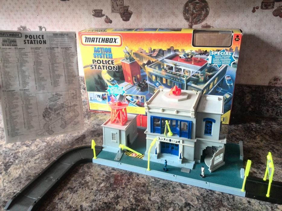 Matchbox Action System Police Station Childrens
