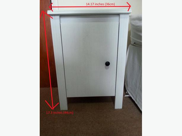 IKEA NIGHTSTANDS IN EXCELLENT CONDITION // free delivery