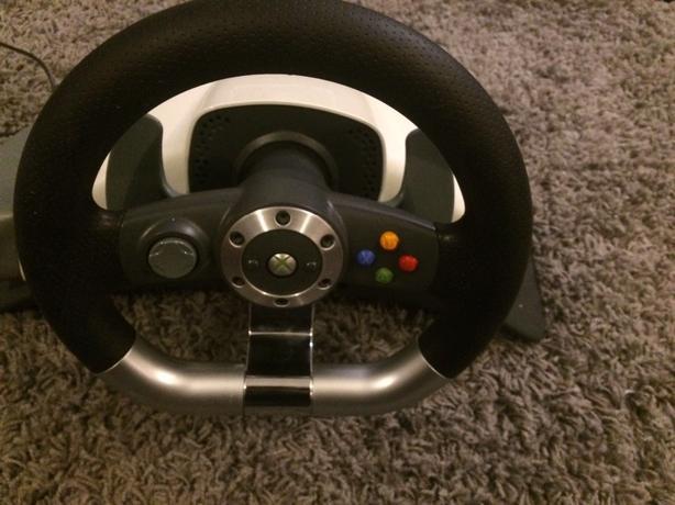 xbox 360 steering wheel & pedal