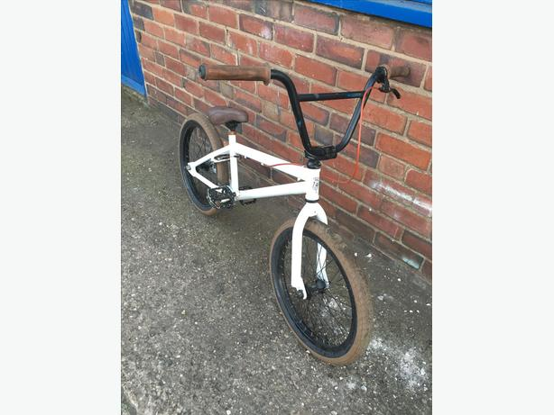 custon bmx good spec see full ad
