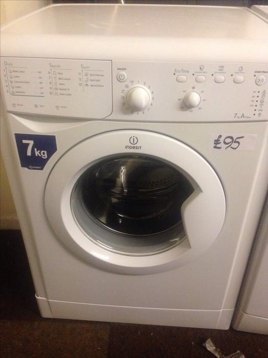 7kg indesit washing machine white2 wolverhampton dudley. Black Bedroom Furniture Sets. Home Design Ideas