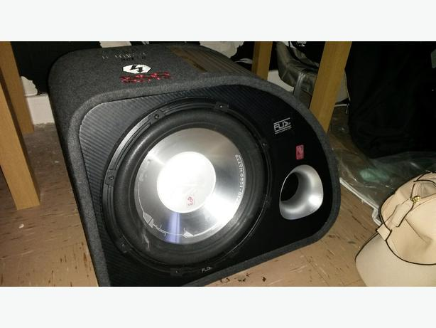 fli trap 1200 watt sub and amp also 2 5inch door speakers all wiering there