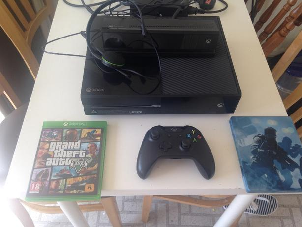 xbox one with kinect head set 2 games