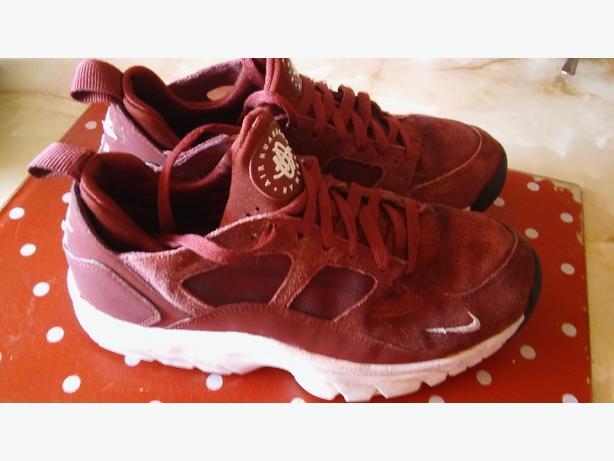 Nike air  Hauraches size 5 n hf
