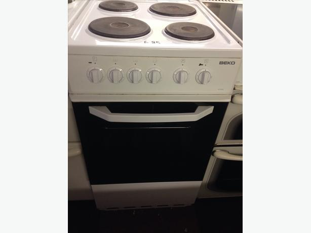 BEKO WHITE  50CM PLATED ELECTRIC COOKER5