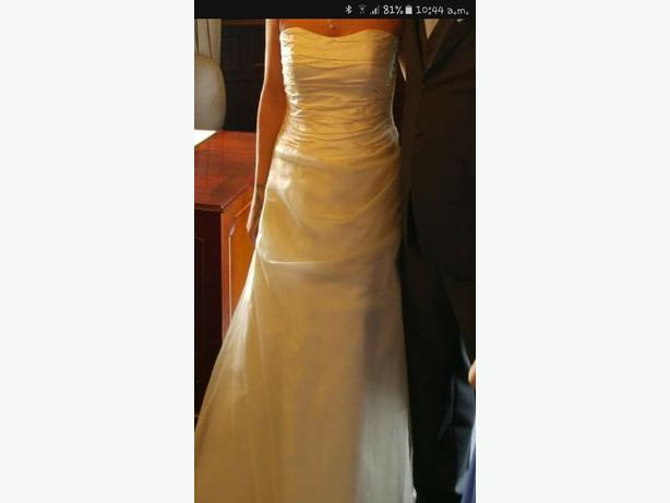 beautiful wedding dress size 10