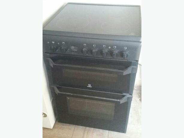 Indesit electric cooker.