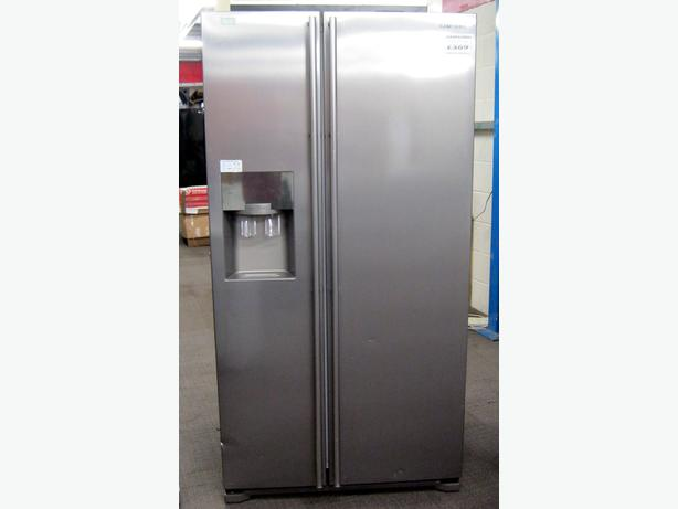 Reduced to clear - Samsung American Style Fridge Freezer with Warranty