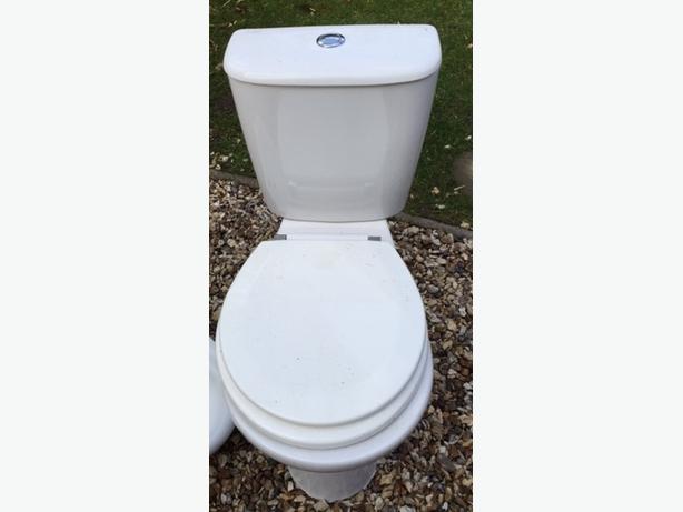 Toilet (White)
