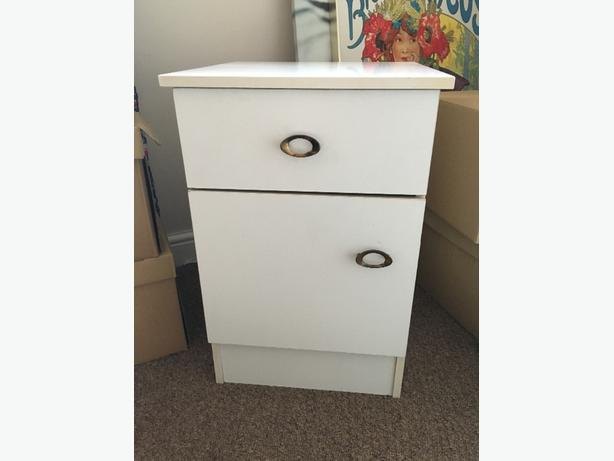 White Retro Kitsch 1970's Bedside Table/Chest