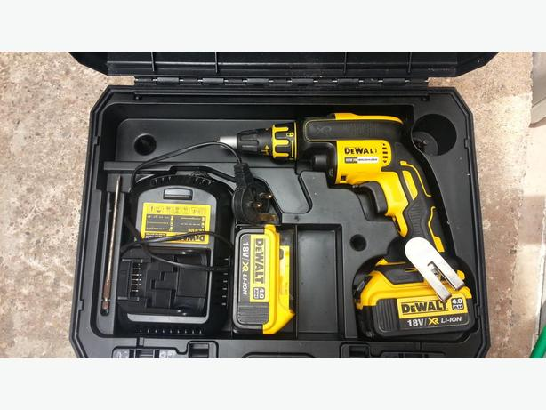 DeWalt DCF620 18v 4.0Ah XR Brushless Drywall Screwgun - 2x 4.0Ah Batteries