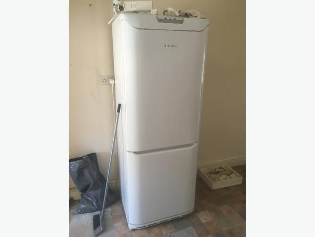 hotpoint 700mm fridge freezer