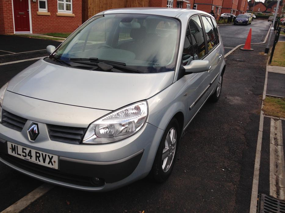 renault megane scenic 2l 16v 11 month mot bargain walsall dudley. Black Bedroom Furniture Sets. Home Design Ideas