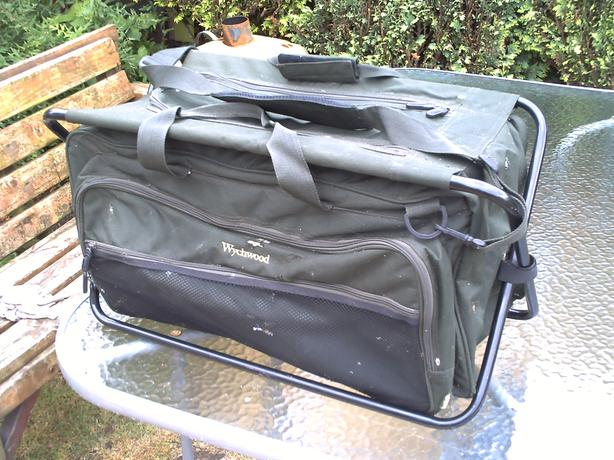 WYCHWOOD FRAMED FISHING BAG