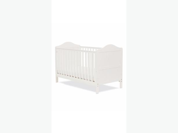 Darlington cot bed and mattress