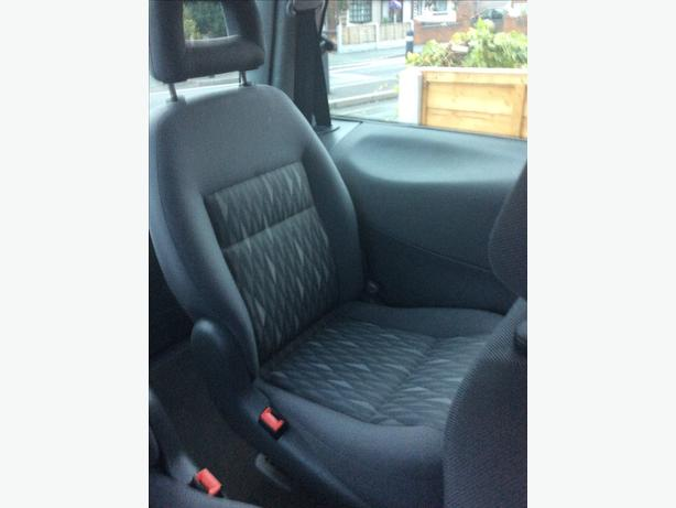 Ford Galaxy seats