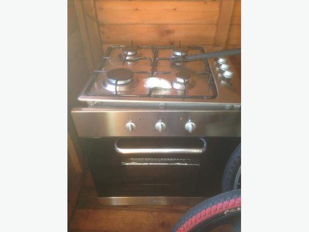 BEAUMATIC OVEN AND HOB