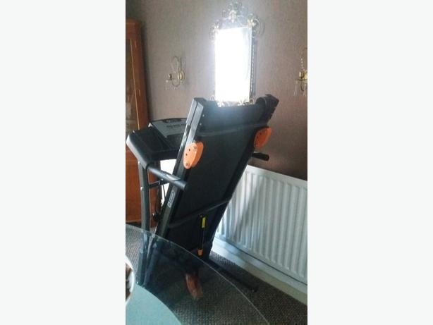 Dynamix Motorised Treadmill with incline