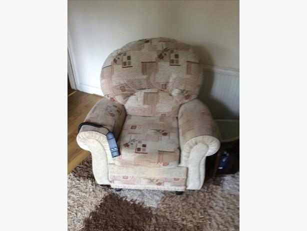 Recline & lift chair electric