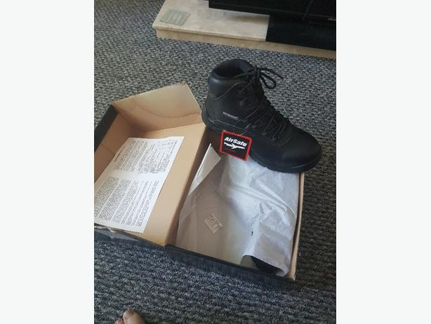 airsafe work boots size 8