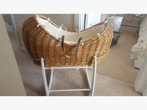 Mothercare Moses Basket& Clair de Lune Deluxe Rocking Stand