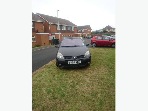 Renault clio 05 plate